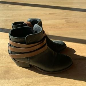 H By Hudson Ankle Boots 37